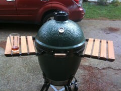 Smoking with The Big Green Egg